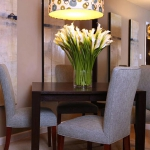 decorate-diningroom-1level-flowers3.jpg