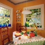 decorate-diningroom-3level-bright-wall2.jpg