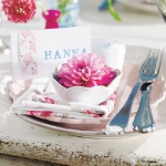 delightful-dahlias-in-table-setting1-2.jpg