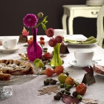 delightful-dahlias-in-table-setting2-4.jpg