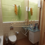 digest102-combo-tile-colors-in-bathroom6-1-2.jpg