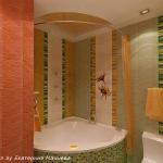 digest85-corner-bath-and-jacuzzi-in-bathroom28.jpg