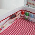diy-crafty-suitcase2-3.jpg