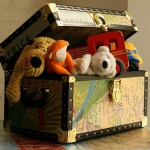 diy-maps-creative-ideas-toy-chest.jpg