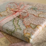 diy-maps-creative-ideas-gift-wrapping3.jpg