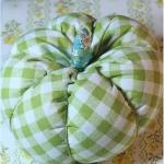 diy-pumpkin-pillow60.jpg