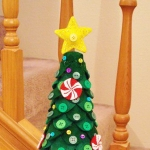 diy-tabletop-christmas-trees-from-felt3-11