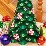 diy-tabletop-christmas-trees-from-felt3-9
