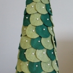 diy-tabletop-christmas-trees-from-felt4-6