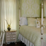 diy-vignettes-wall-art-in-bedroom3.jpg