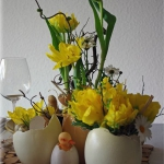 easter-chickens-table-setting-flowers14.jpg