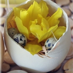 easter-chickens-table-setting-flowers6.jpg