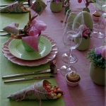 easter-rose-and-green-table-setting4.jpg