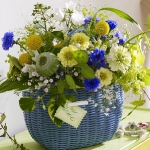 easy-creative-diy-floral-arrangement1-1.jpg
