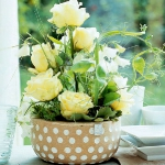 easy-creative-diy-floral-arrangement1-2.jpg
