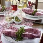 eco-summery-napkins-and-plates2-12.jpg