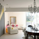 english-homes-in-bright-accents1-9.jpg