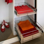enlarge-tiny-wardrobe-10-ways5-4