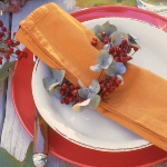fall-table-setting-in-harvest-theme-on-plate7.jpg