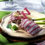 fall-table-setting-in-harvest-theme-on-plate8.jpg