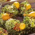 fall-table-setting-in-harvest-theme-centerpiece3.jpg