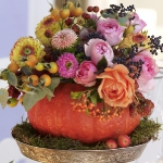 fall-table-setting-in-harvest-theme-flowers5.jpg