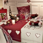 fashionable-table-set-for-xmas-traditional2.jpg