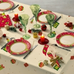 fashionable-table-set-for-xmas-traditional4.jpg
