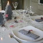 fashionable-table-set-for-xmas-argent3.jpg