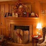 fireplace-mantel-fall-decorating1.jpg