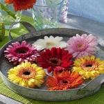 floral-arrangement-of-burgeons-and-petals3-2.jpg
