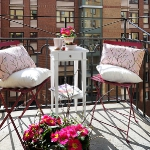 flowers-on-balcony1-4.jpg