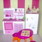 french-kidsroom-in-bright-color10-2.jpg