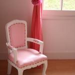 french-kidsroom-in-bright-color4-2.jpg