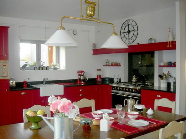 اجدد المطابخ الحديثة لعام 2012 french-kitchen-in-color-idea-inspiration1-1.jpg