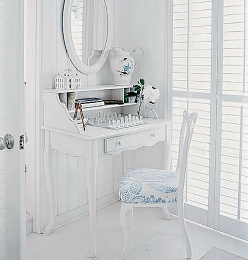 интерьеры спален и ванных в элегантном французском стиле.