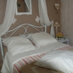 french-women-bedroom-creative22-1.jpg