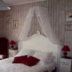 french-women-bedroom-creative35-1.jpg