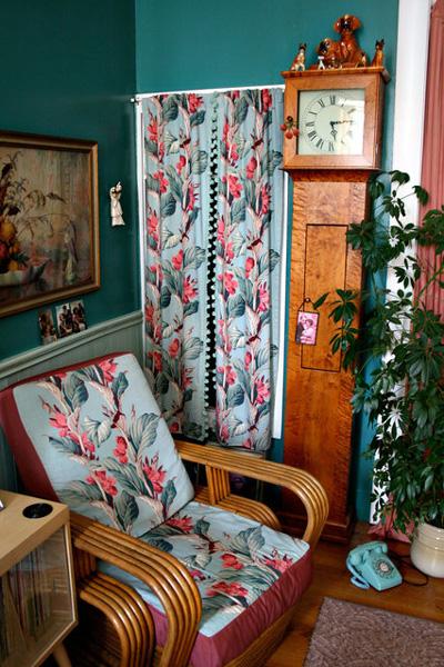 Яркий американский винтаж: интерьер квартирки-бутика в духе New-Look.