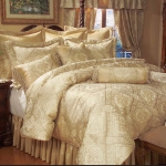 golden-trend-decorating-bedding11.jpg