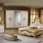 golden-trend-decorating-in-style-bedroom3.jpg