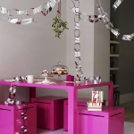 hanging-ny-decor-over-table13.jpg