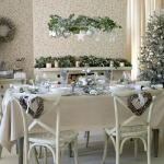 hanging-ny-decor-over-table14.jpg