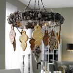 hanging-ny-decor-over-table2.jpg