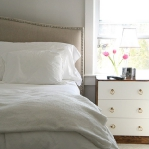 how-to-choose-nightstands-to-upholstery-headboard-color3-2.jpg