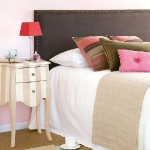 how-to-choose-nightstands-to-upholstery-headboard-color4-3.jpg