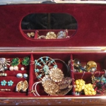 how-to-organize-jewelry-gift-box3.jpg