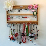 how-to-organize-jewelry-on-wall10.jpg