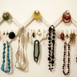 how-to-organize-jewelry-on-wall12.jpg