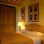 italian-traditional-bedrooms-color3-6.jpg